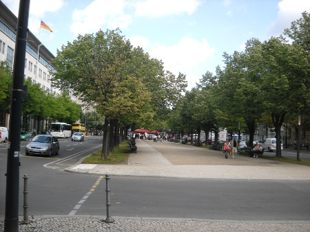 """Straße """"Unter den Linden"""" Berlin"""